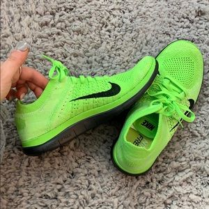 Nike free 4.0 fly knit lime green